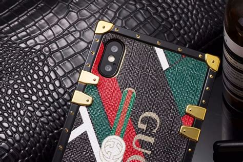 gucci leather phone case  iphone   phone swag