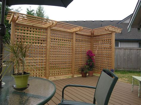 backyard privacy screens trellis hot tub lattice privacy fence woodworking projects plans