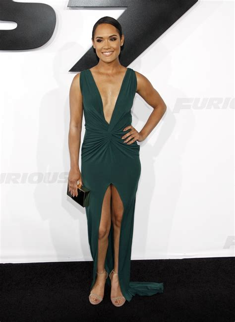grace gealey feet grace gealey green dress
