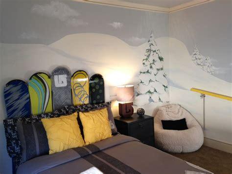 skateboard headboard hayden s snowboard room snowboarding pinterest