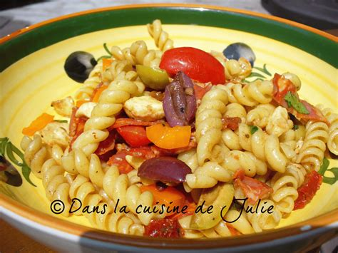cuisines 駲uip馥s italiennes dans la cuisine de julie salade de p 226 tes 224 l italienne