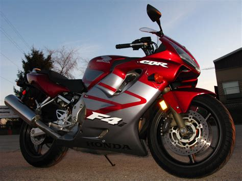 honda cbr bike honda cbr sports bike wallpapers images pictures