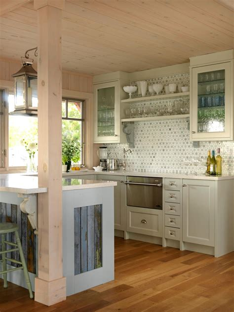 cottage kitchen backsplash coastal kitchen and dining room pictures kitchen ideas