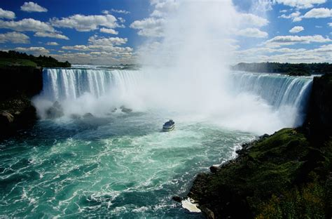 New York Falls In With The Cat by 50 Photos From Niagara Falls Toronto Places