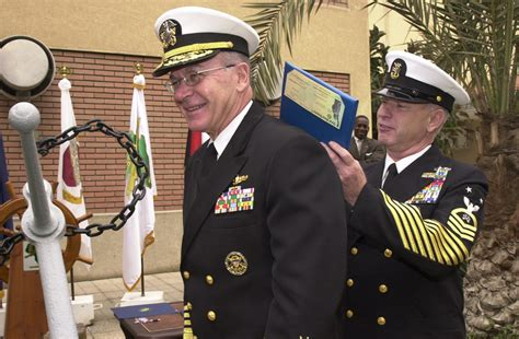 Cno Description by File Us Navy 030119 N 4943l 004 Adm Vern Clark Chief Of Naval Operations Cno Assists U S