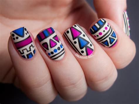 aztec pattern nail art 30 idee per usare il matte finish per decorare le unghie