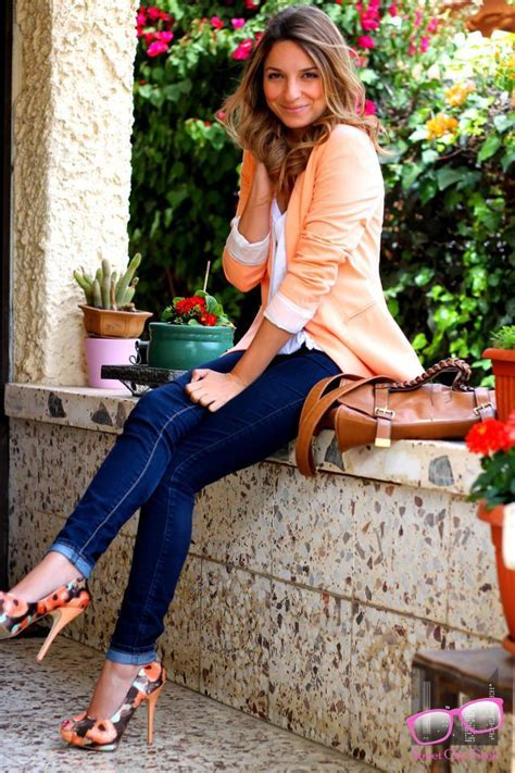 travelling fashion look fantastic in floral denim cute outfit ideas of the week 62 fall outfit ideas galore