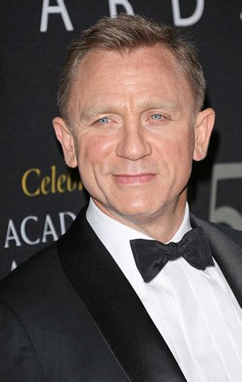 10 hairstyles for men over 40 mens fitness hair and beard styles daniel craig short haircut no beard sophisticated allure hairstyles 2018