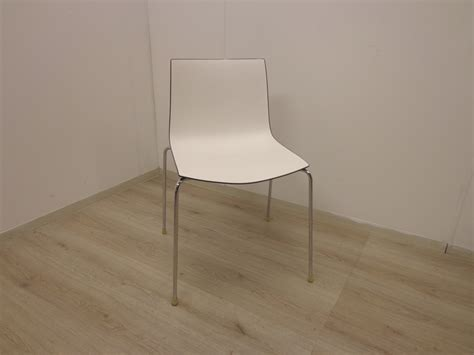 catifa 46 bureaustoel arper catifa 46 stoel bruin wit met 4 poot bureaustoel nu