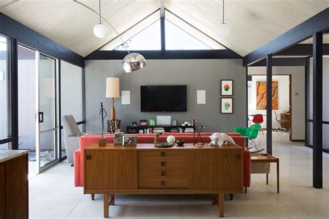 eichler hosue mid century eichler home gets a bold remodel into the 21st