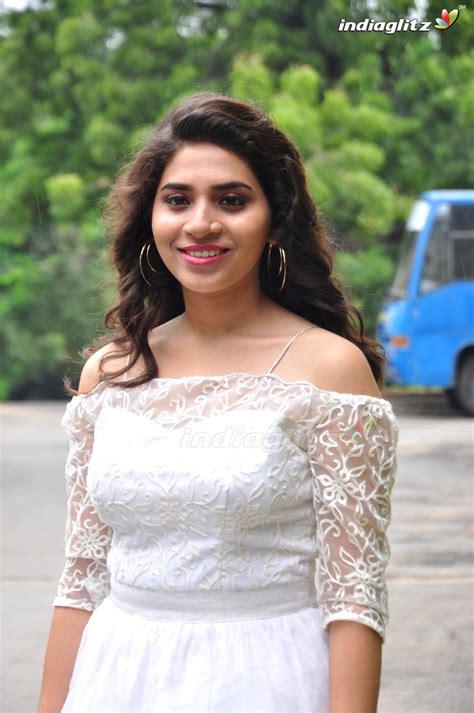 telugu actress tejaswini tejaswini photos త ల గ actress photos images gallery