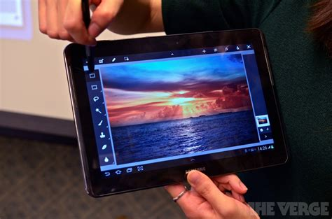 samsung galaxy note 10 1 announced definitely a tablet on photos the verge