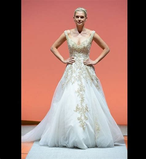 Themed Wedding Dresses by 9 Wedding Gowns Inspired By Disney Princesses Huffpost