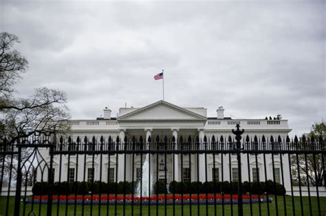 house administration watchdog groups sue trump administration over white house visitor logs toronto star