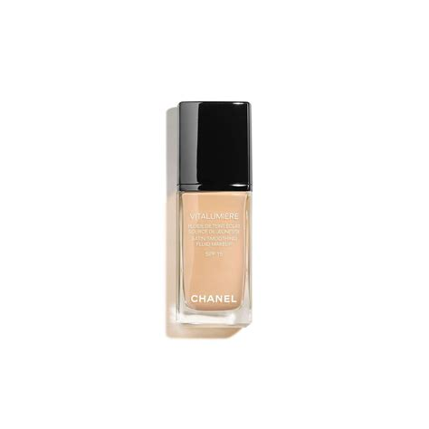chanel vitalumi 200 re satin smoothing fluid makeup spf 15 at
