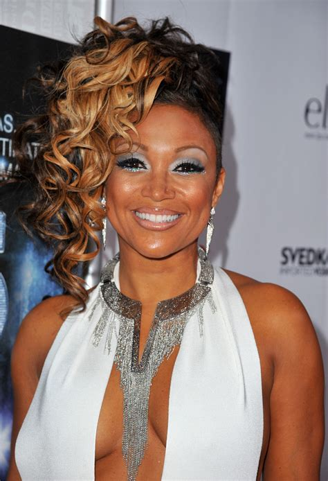 chante moore hair styles on r b diva chante moore hair looks stylebistro