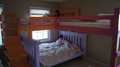 Simple Bunk Beds White Simple Bunk Bed With A Twist And Cubby Steps Diy Projects
