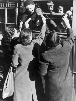 Mothers and evacuees saying goodbye, 4 July 1940. at