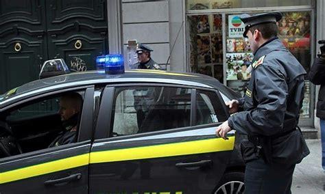 banche lecce societ 224 finanziaria come una arrestati 5 usurai a