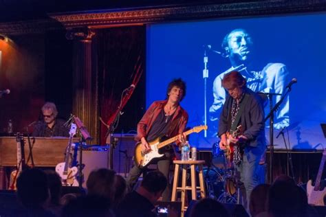 the cutting room rolling stones wood and mick join rock legends in new york city to pay tribute to the