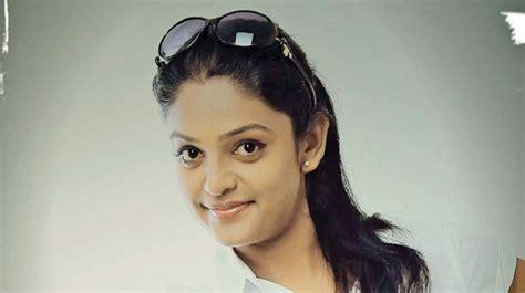 karuthamuthu actress without makeup premi viswanath malayalam serial actress watch free movies