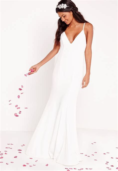 Dresses For Wedding by 10 Stunning Wedding Dresses For 350 Stellar