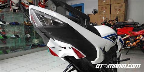 Spakbor Belakang Led Sein spakbor belakang sporty buat honda cb150r berita otomotif