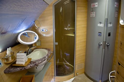 Showers At Lax by Emirates To Fly Airbus A380 To Lax From December 2 2013