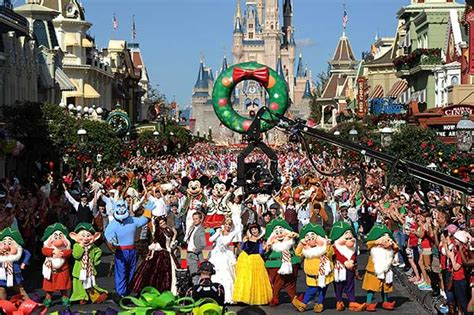 Wdw Christmas Decorations Christmas At Disney World And Holiday Highlights