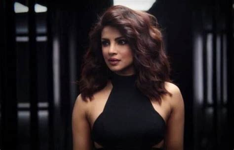 film quantico priyanka chopra quantico teaser priyanka chopra is too hot to handle