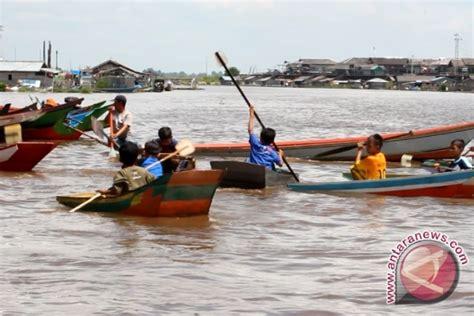 Perahu Dayung Perahu Mini Danau Perahu lomba dayung perahu meriahkan pesta danau antara news kalimantan timur antara news