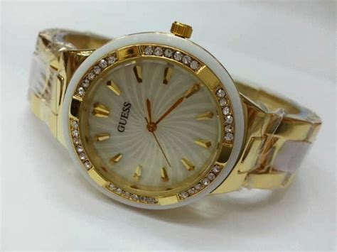 Jam Tangan Wanita Guess New Gold Trail White jam tangan guess 8030 gold