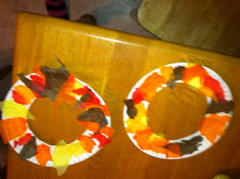 Fall Paper Plate Crafts - fall crafts paper plate fall wreath and finger paint fall