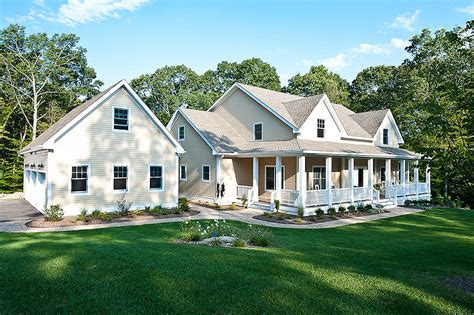 farmhouse home designs farmhouse style house plan 4 beds 3 50 baths 3493 sq ft