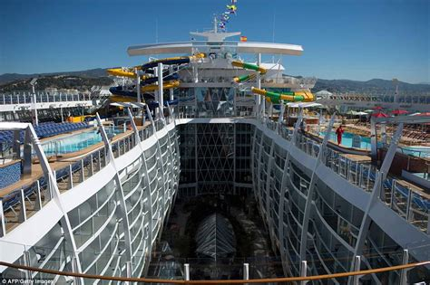 Inside the world's biggest cruise ship Symphony of the