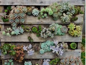 Bien Jardiniere En Bois De Palette #3: jardin-vertical-jardiniere-en-palette-idee-deco-3.jpg