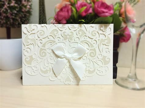 Simple And Cute 2015 New Wedding Invitations With Lace