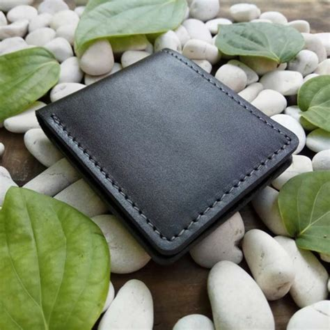 Dompet Kulit Asli Pria Warna Hitam dompet pria kulit asli handmade model bifold warna hitam