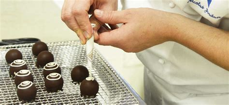 Working Conditions Of A Pastry Chef by Become A Pastry Chef Profile Le Cordon Bleu