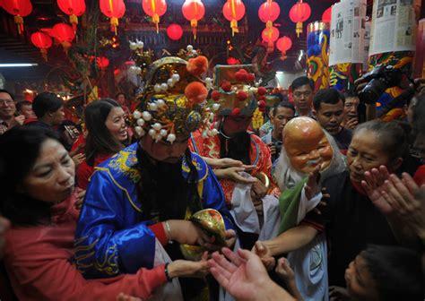 new year in indonesia new year celebrated in indonesia zimbio