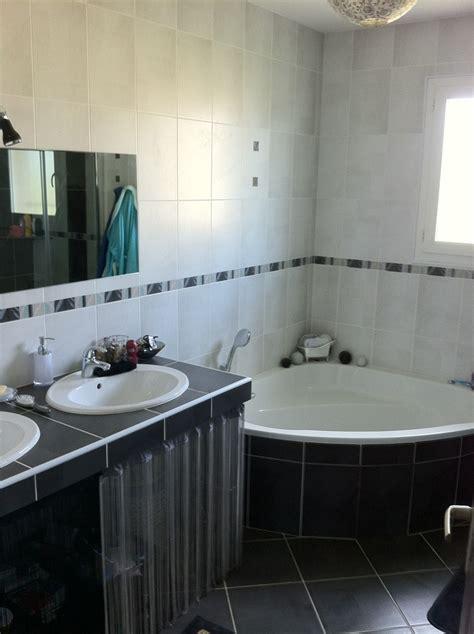baignoire et combin礬e salle de bain avec baignoire d angle digpres