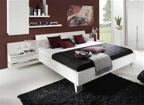 bett deko bett wei 223 das sieht elegante im schlafzimmer dekoration