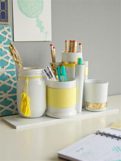 ways to decorate your desk and creative ways to decorate your desk at work