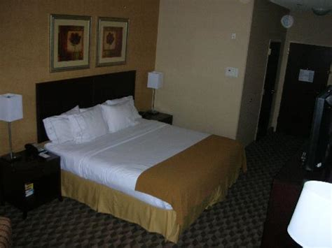 inn standard room standard room other direction picture of inn express downtown