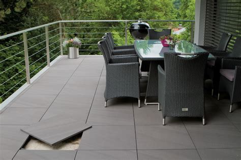 outdoor patio bodenfliesen evo porcelain pavers esprit lagos grey contemporary