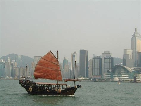 junk boat chinese junk boats chinese junk boat hong kong harbour