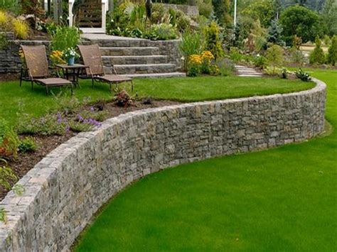 small backyard retaining wall stone landscaping design retaining wall design ideas