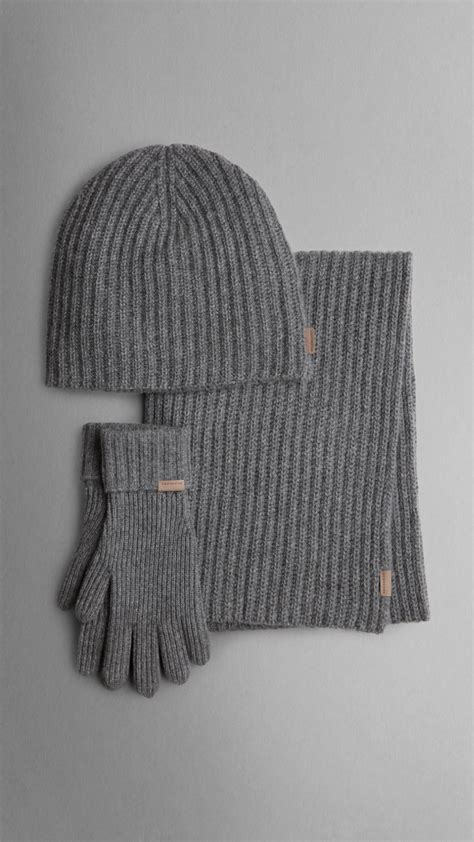 burberry ribbed knit hat gloves and scarf set in
