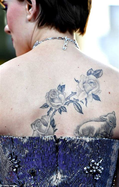 scarlett johansson tattoo arm johansson flaunts back at