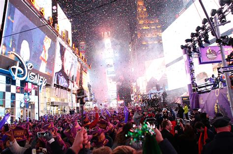new year gifts nyc new year s 2017 guide the best places to
